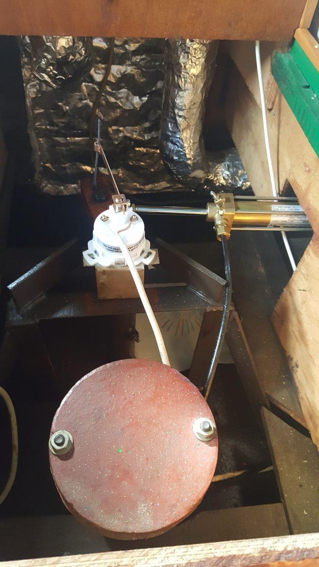 Vérin neuf, capteur d'indicateur de barre neuf, cheminée d'accès à l'hélice
